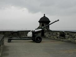 P6080042	The one o'clock gun at Edinburgh Castle.