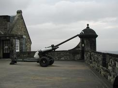 P6080056	The one o'clock gun at Edinburgh Castle.