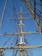 P20089200069	The main mast of the Jeanie Johnston.