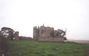 R19	Cessford Castle.