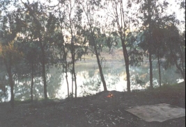 AG05	Campfire beside the Murray River at Piantas bend, near Echucha.